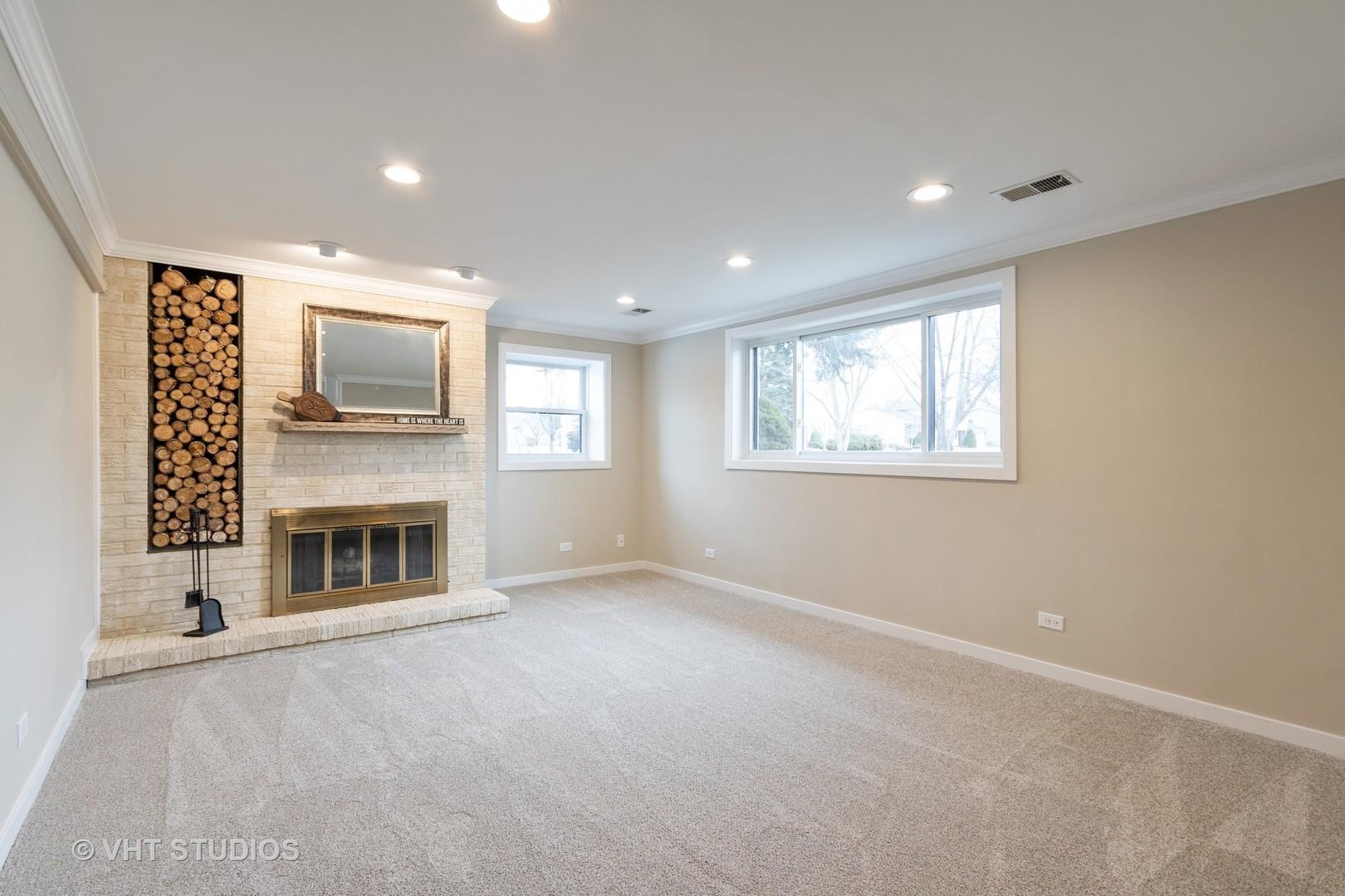 3690 Lexington, Hoffman Estates, Illinois, 60192