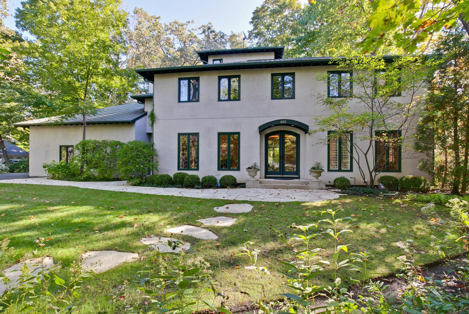 661 Maple Avenue, Lake Bluff, Illinois 60044