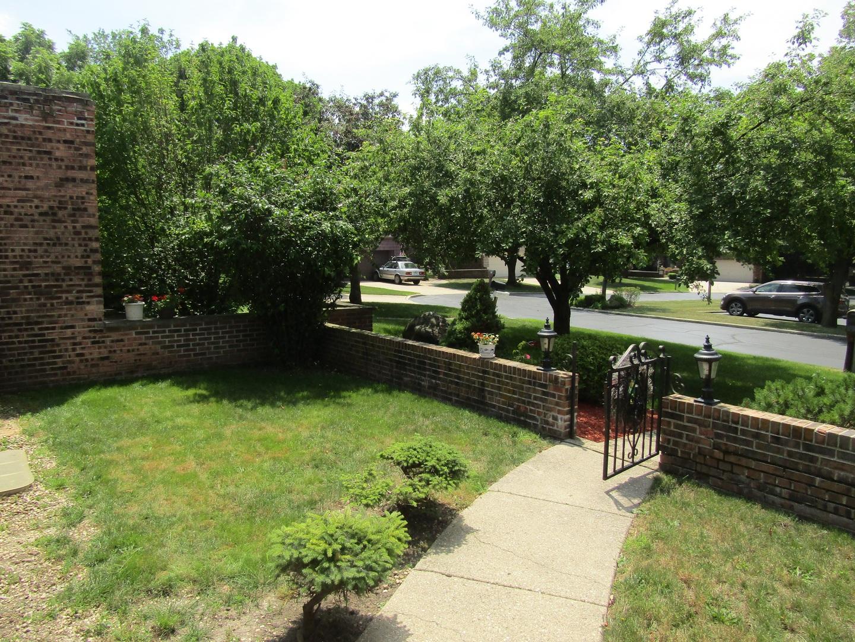 13 Temple Garden, ST. CHARLES, Illinois, 60174