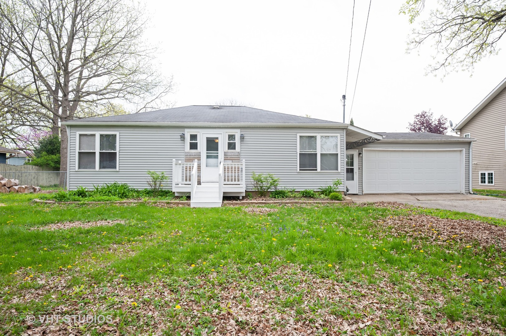 111 Oak Knoll Drive, Lake Villa, Illinois 60046
