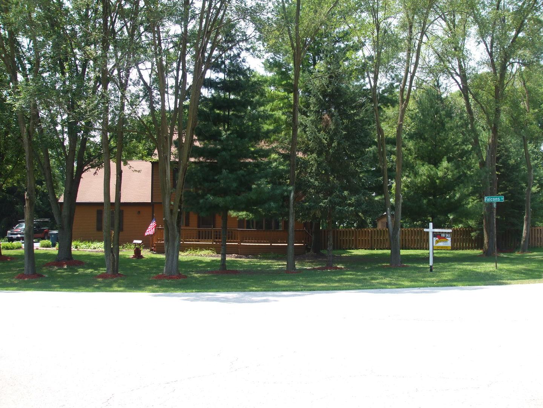 8N074 Falcons, ST. CHARLES, Illinois, 60175