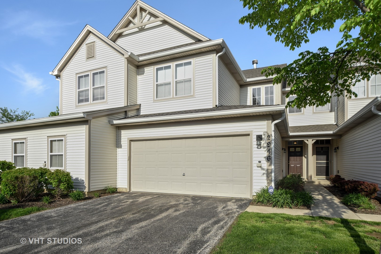 2946 Falling Waters Lane, Unit 0, Lindenhurst, Illinois 60046