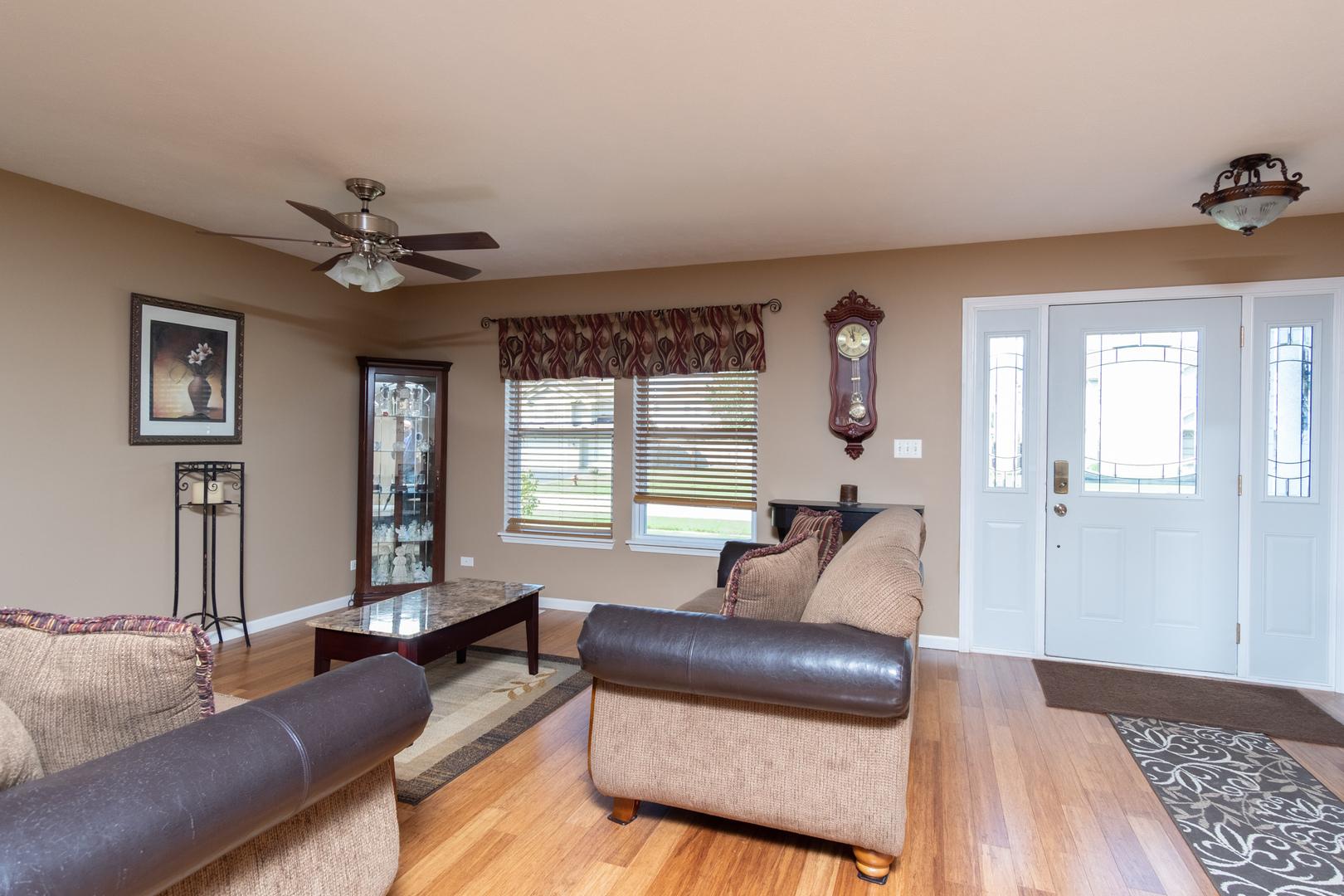 313 Greenbriar, Poplar Grove, Illinois, 61065