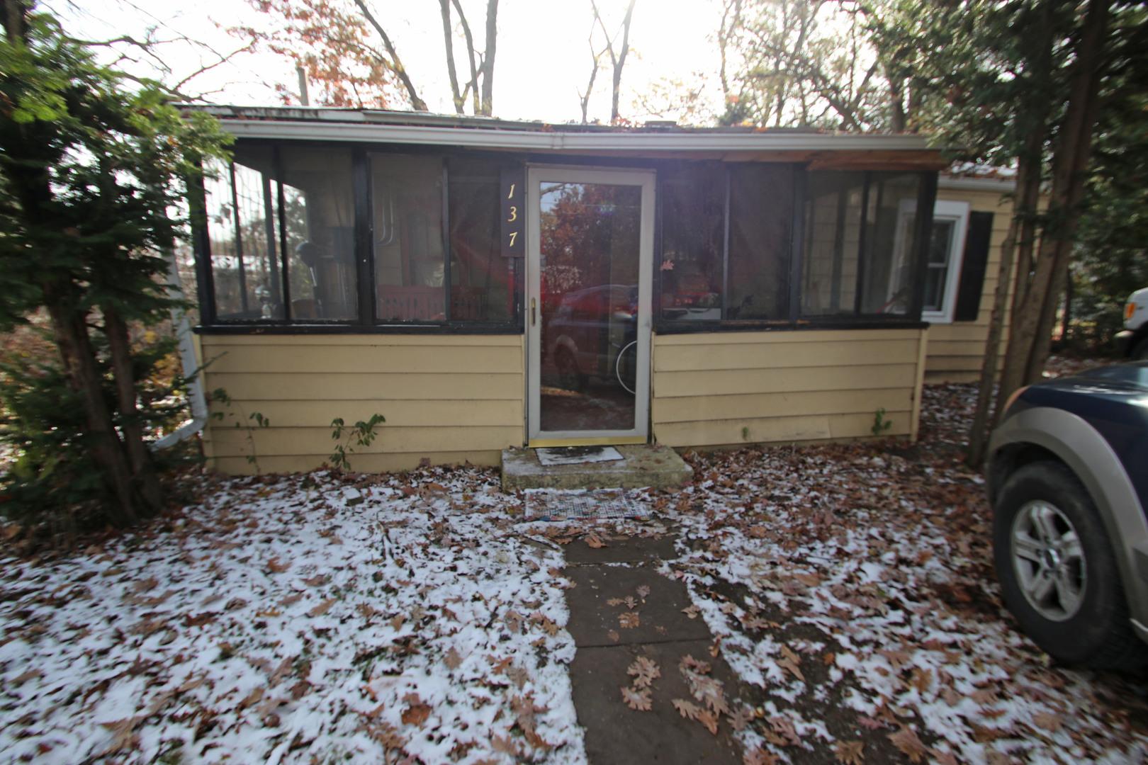 137 Oakwood Avenue, Lake Villa, Illinois 60046