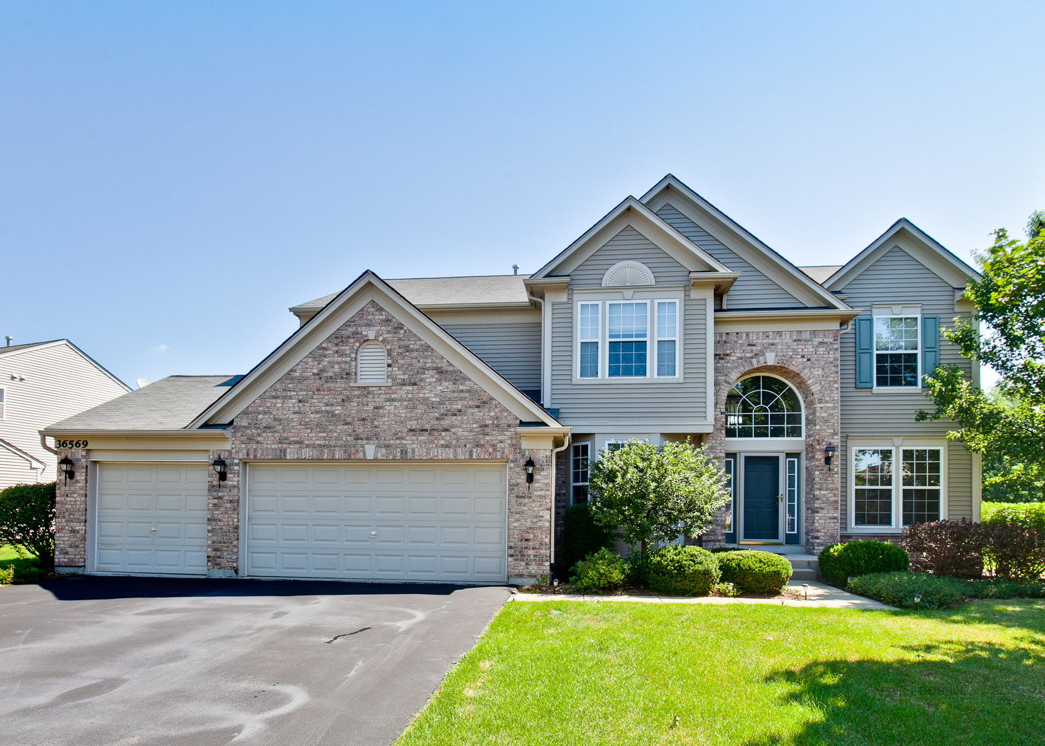 36569 North Yew Tree Drive, Lake Villa, Illinois 60046