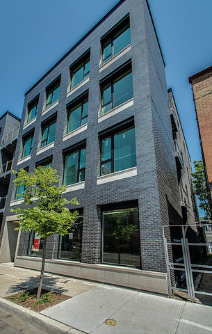 3 Apartment in Uptown