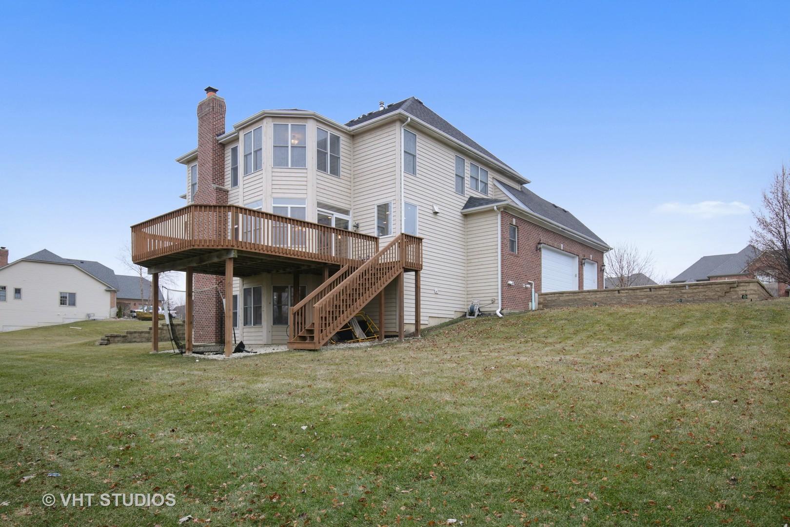 39W689 WALT WHITMAN, ST. CHARLES, Illinois, 60175