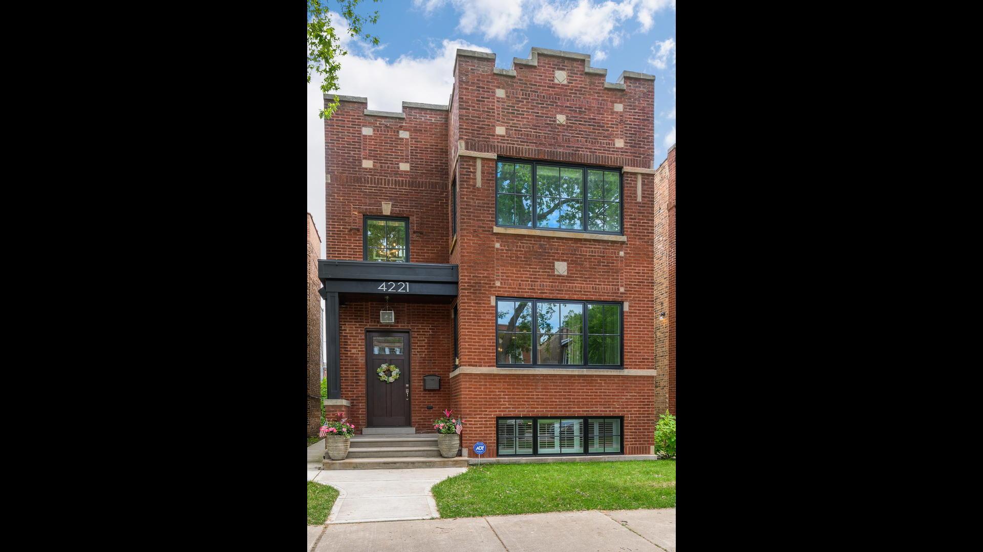 4221 N Leavitt Exterior Photo