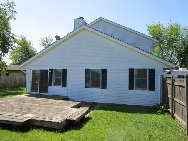 702 North View, Hinckley, Illinois, 60520