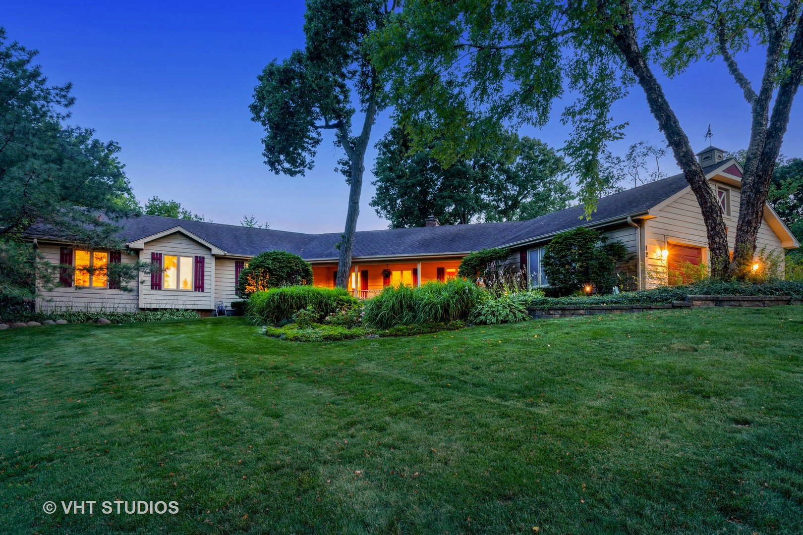 12 Hickory Road, Hawthorn Woods, Illinois 60047