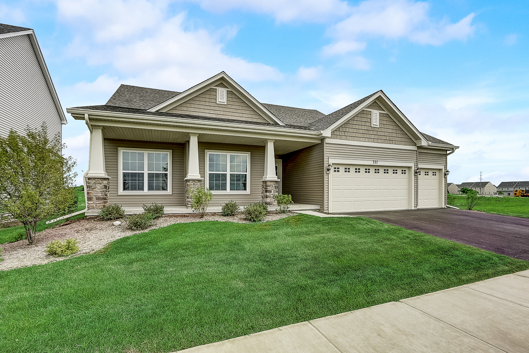 727  Maplewood,  Elburn, Illinois