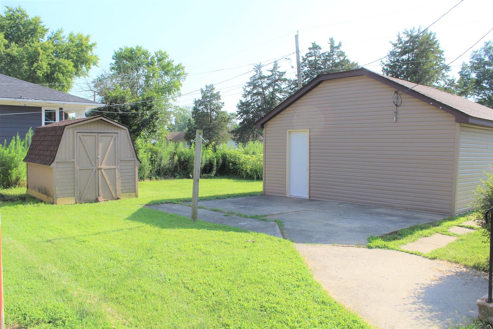 295 West Division, Coal City, Illinois, 60416