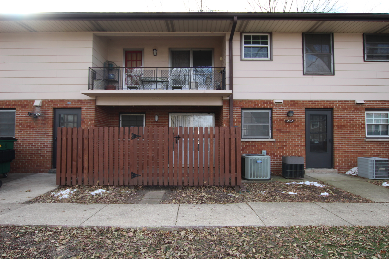 232 WASHINGTON B, ELK GROVE VILLAGE, Illinois, 60007