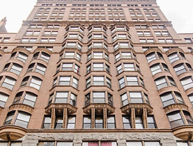 South  Dearborn Street, CHICAGO, IL 60605