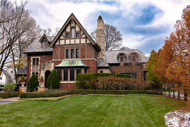841 South County Line Road, Hinsdale, Illinois 60521