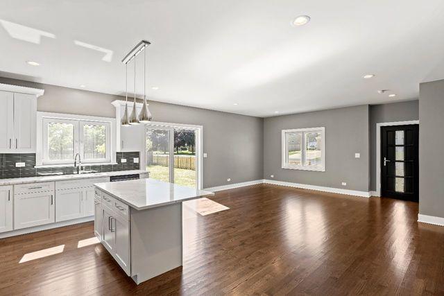 331 Oak, Wood Dale, Illinois, 60191