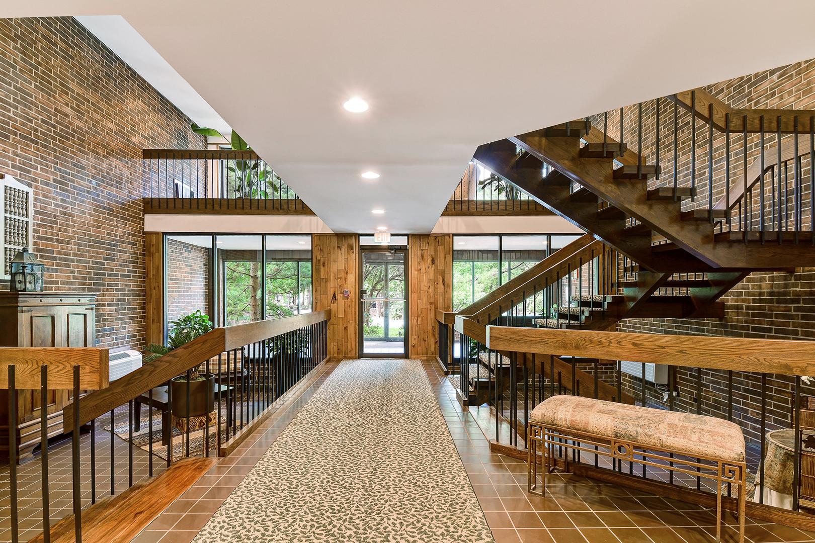 1409 Burr Oak 214A, Hinsdale, Illinois, 60521