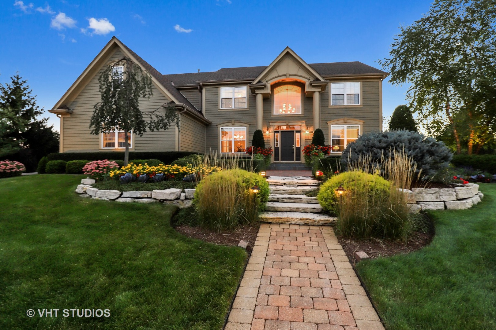 1 Hawthorn Grove Circle, Hawthorn Woods, Illinois 60047