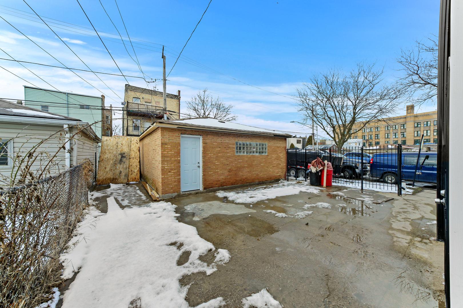 4200 West Kamerling, Chicago, Illinois, 60651