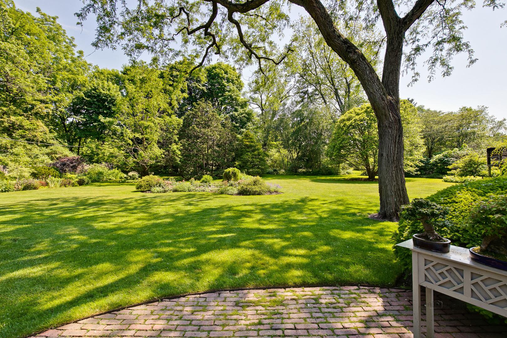 999 Rosemary, Lake Forest, Illinois, 60045