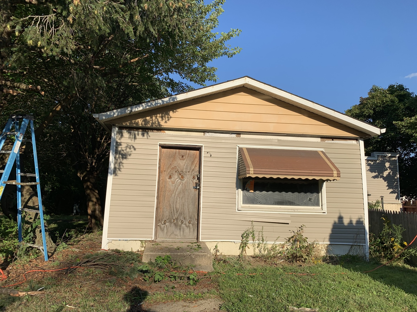 10223 S State Exterior Photo