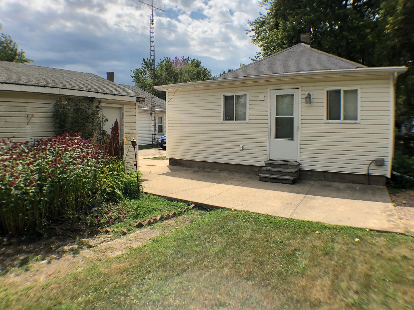 210 5th, Standard, Illinois, 61363