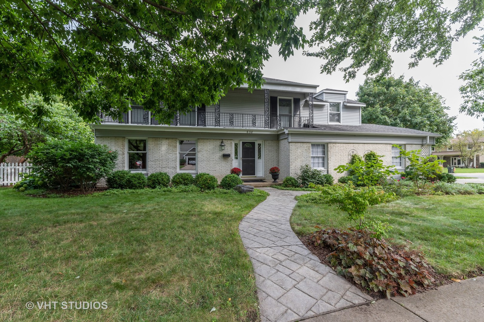 638 Harvard Lane, Libertyville, Illinois 60048