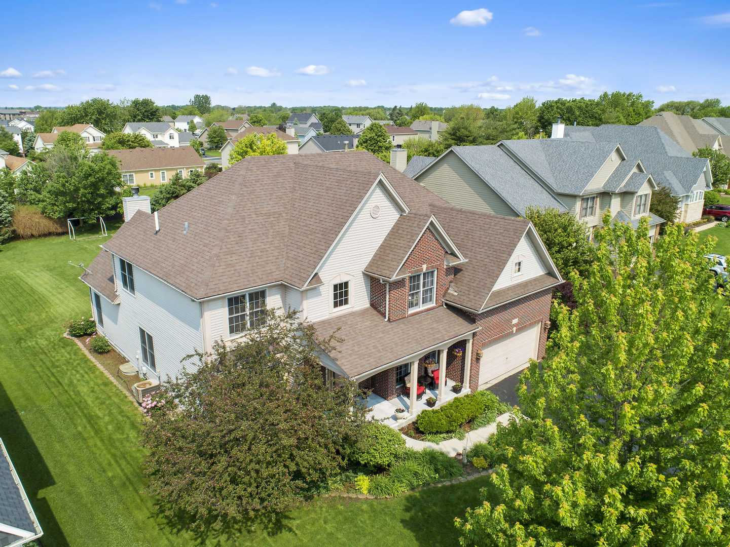 506  Mallard Point,  North Aurora, Illinois