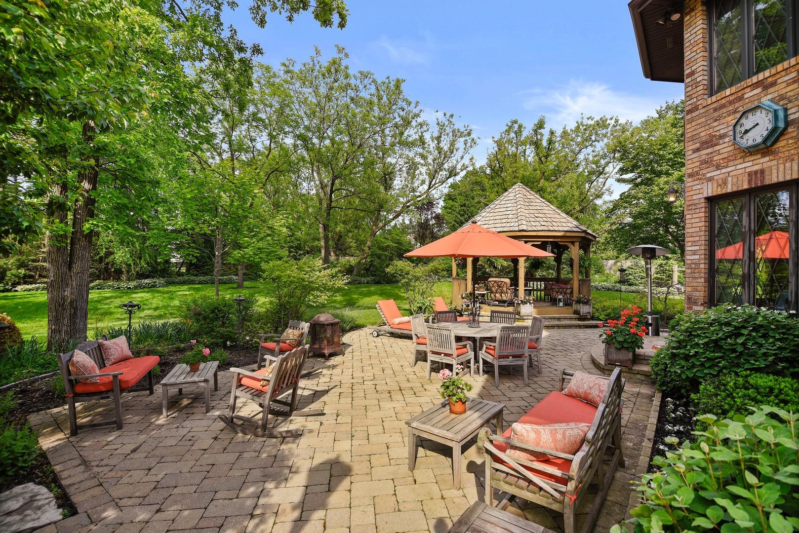 831 Mount Vernon, Lake Forest, Illinois, 60045
