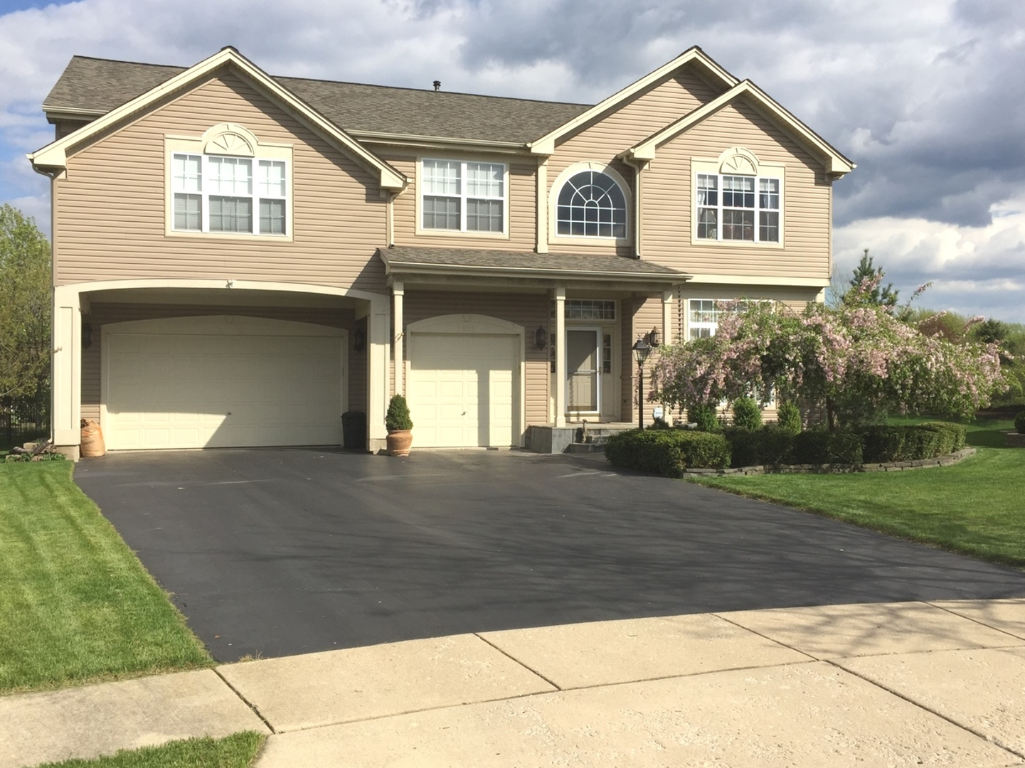 Property for sale at 1811 Broadsmore Drive, Algonquin,  IL 60102