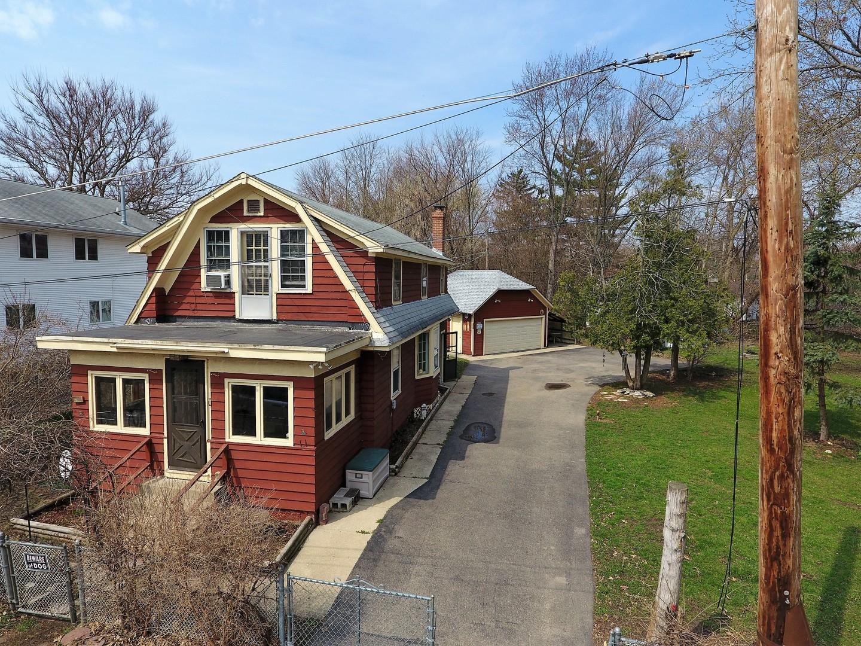 37503 North Terrace Lane, Spring Grove, Illinois 60081