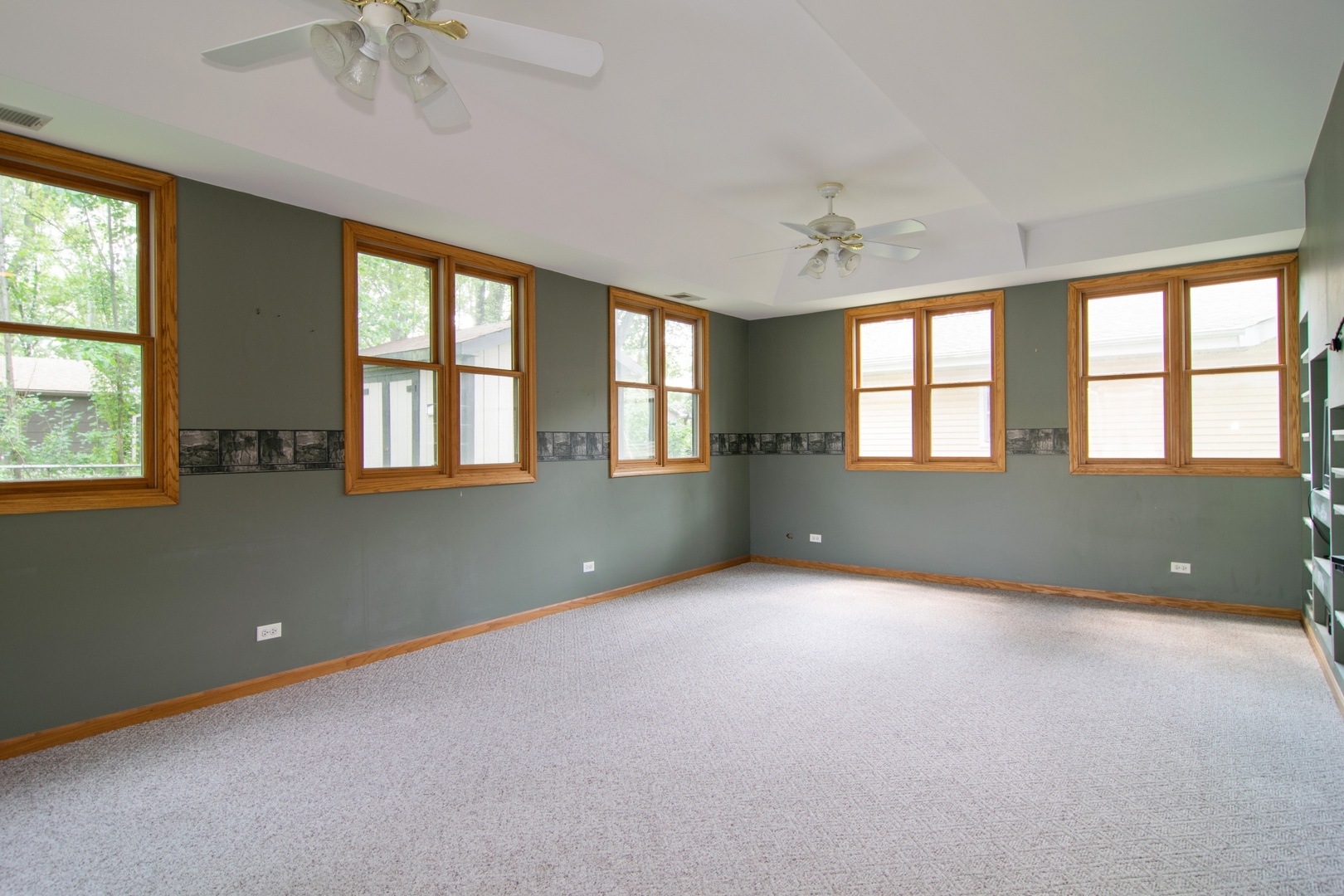 399 Illinois, Hoffman Estates, Illinois, 60169