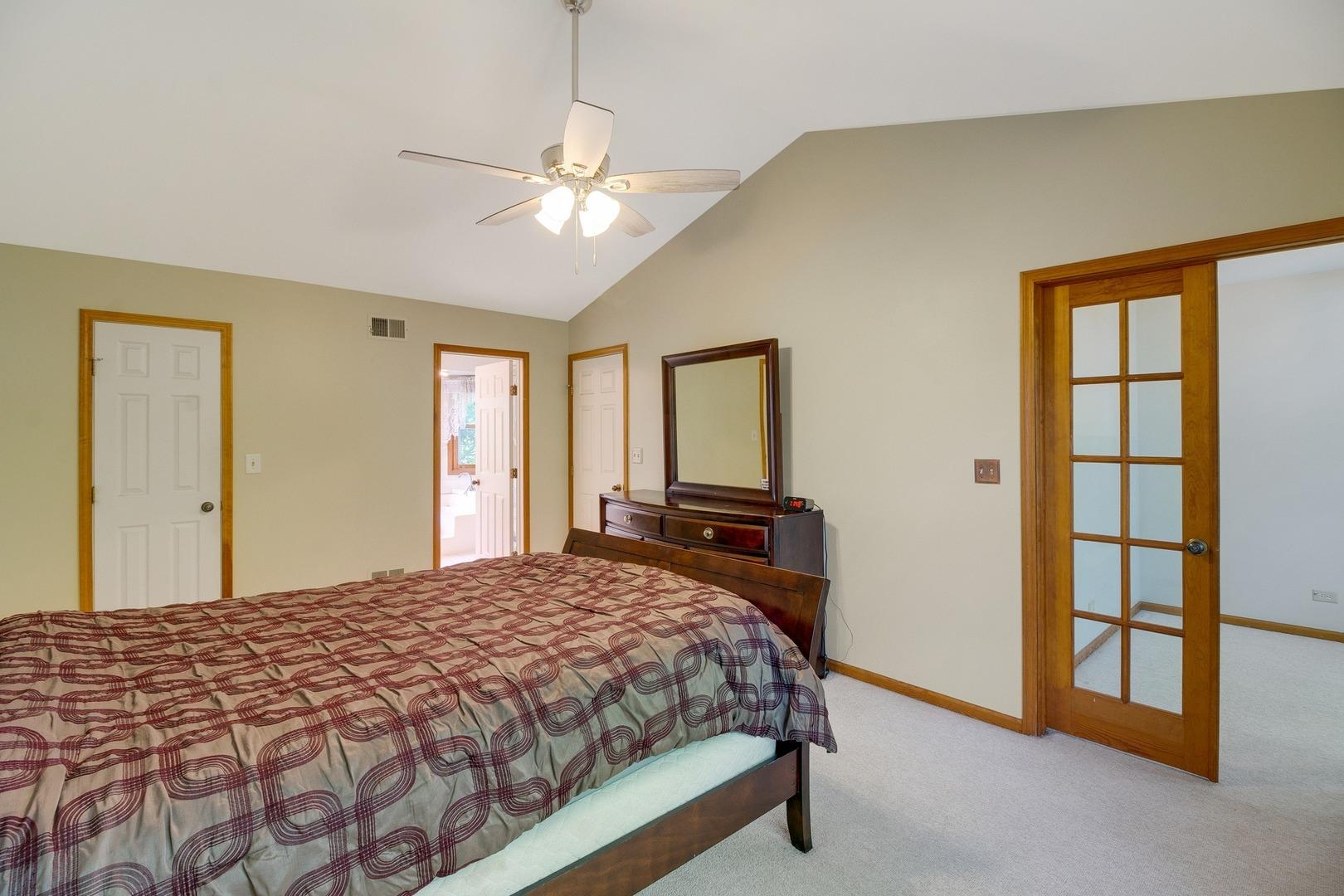 117 Windjammer, Third Lake, Illinois, 60030