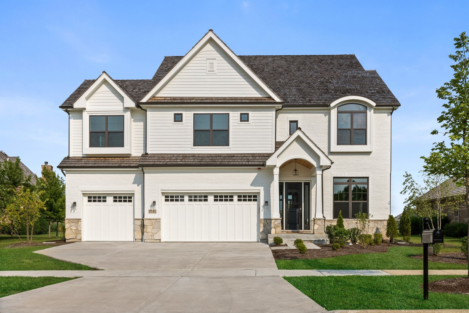1741 N Lake Charles Drive, Vernon Hills, Il 60061