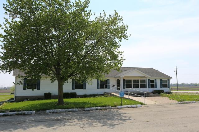 106 S Prairieview Road, Mahomet, IL 61853