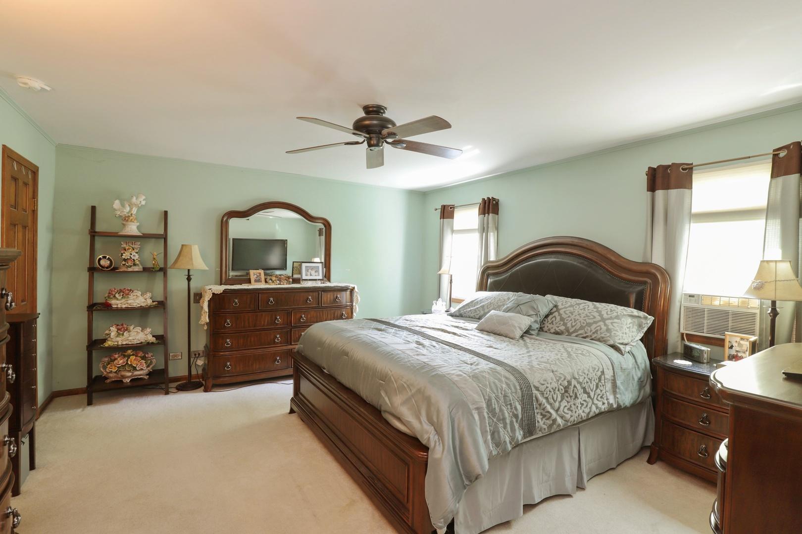 17577 West Woodland, Grayslake, Illinois, 60030