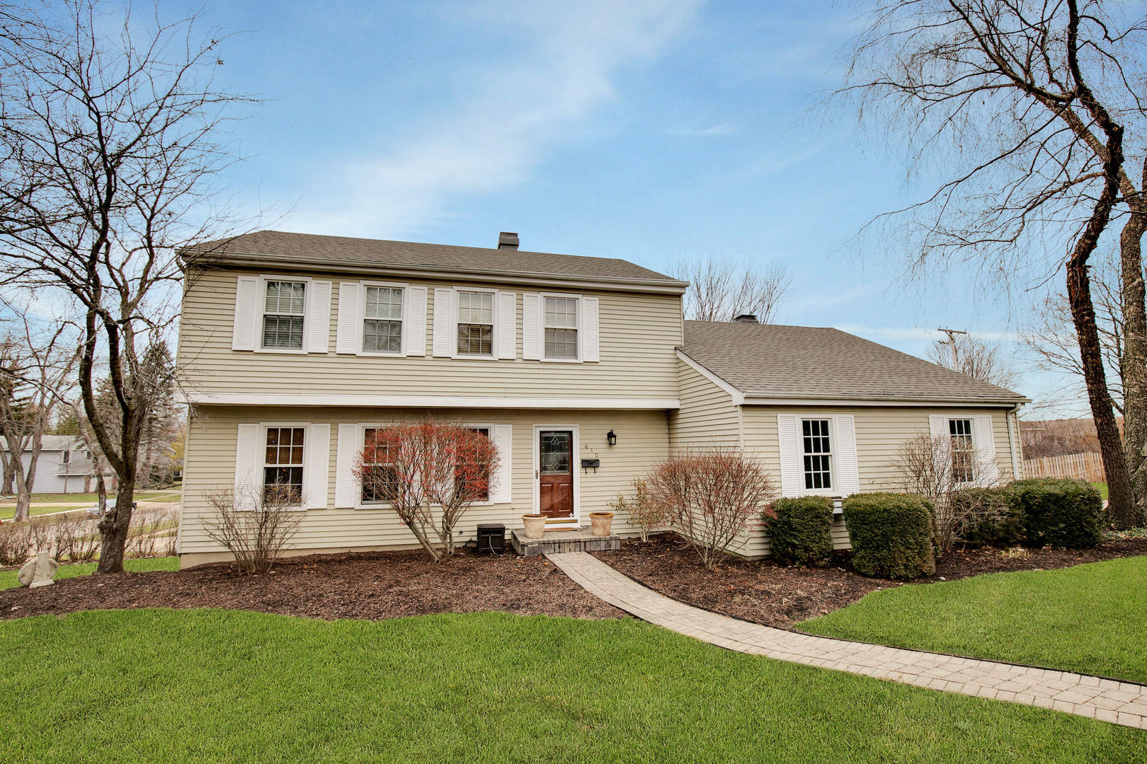 610 Valley Park Drive, Libertyville, Illinois 60048