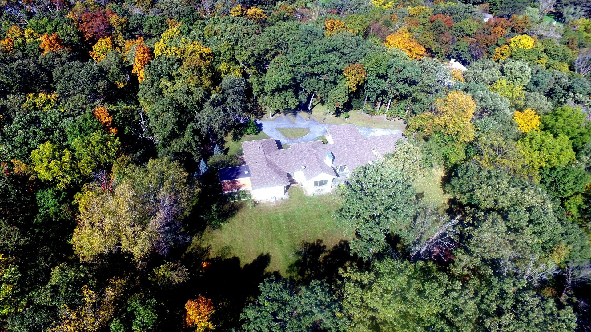 21727 Hickory Hill Drive, Kildeer, Illinois 60047