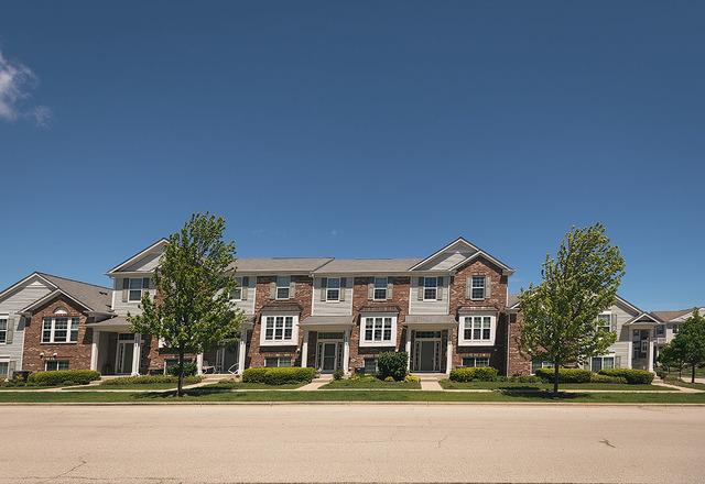 3309 Redbud Drive, Lindenhurst, Illinois 60046