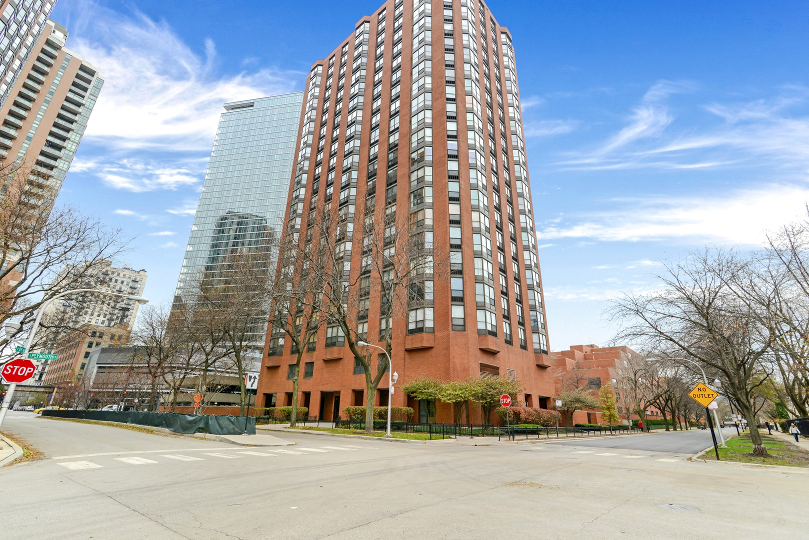 901 S. Plymouth #1103