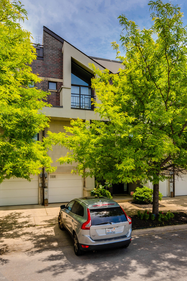 4 Townhouse in West Town