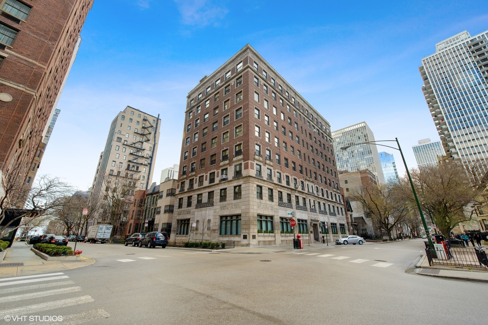 1255 N State Exterior Photo