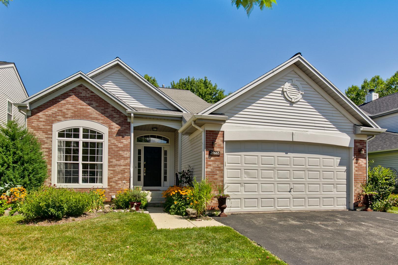 29665 North Environ Circle, Lake Bluff, Illinois 60044