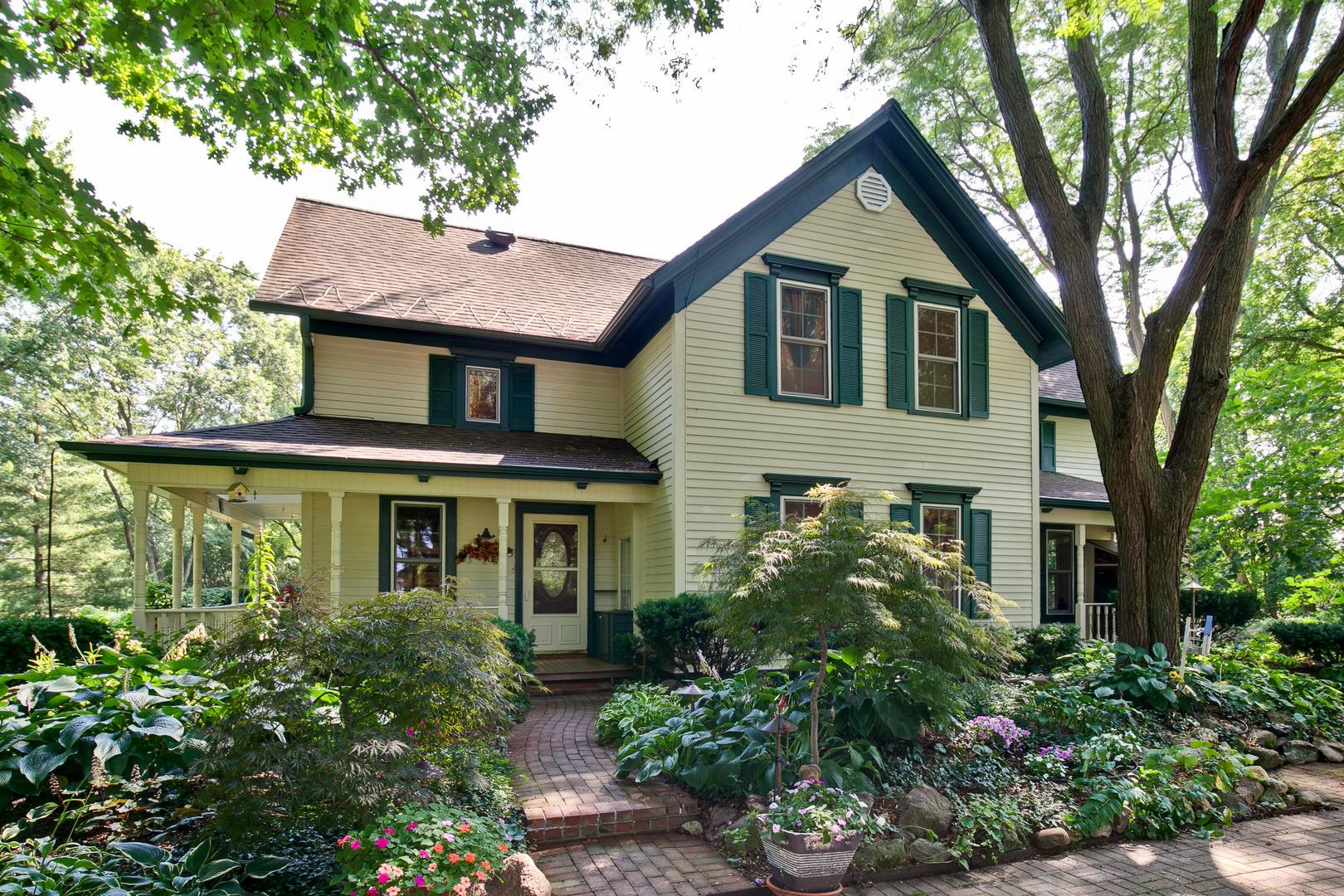 20245 West Indian Creek Road, Hawthorn Woods, Illinois 60060