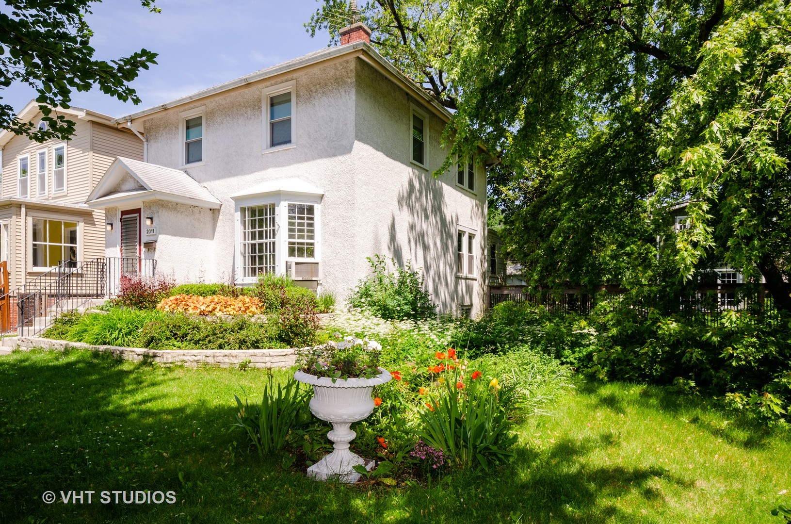 2011 Noyes, Evanston, Illinois, 60201