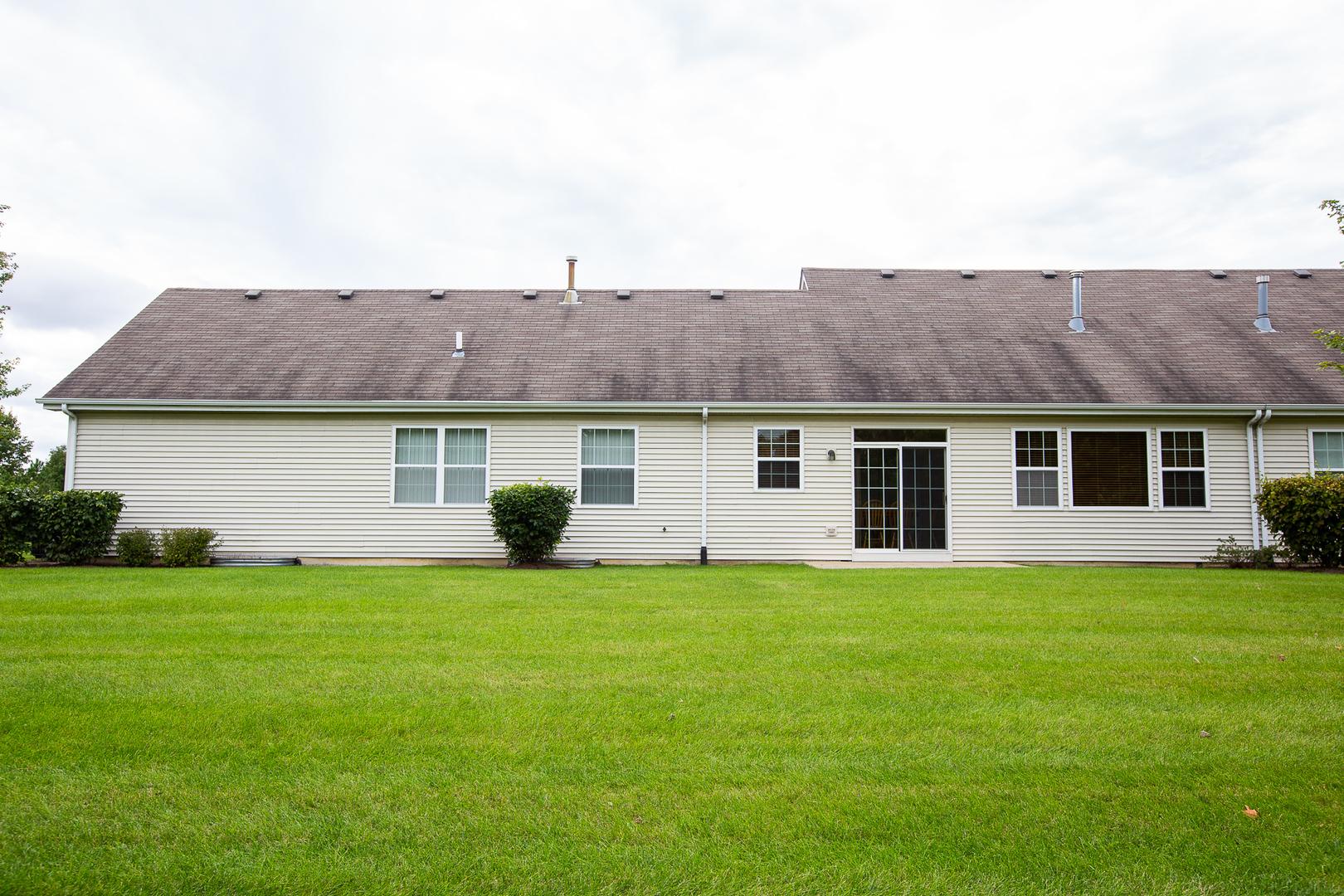 21424 Mays Lake, Crest Hill, Illinois, 60403