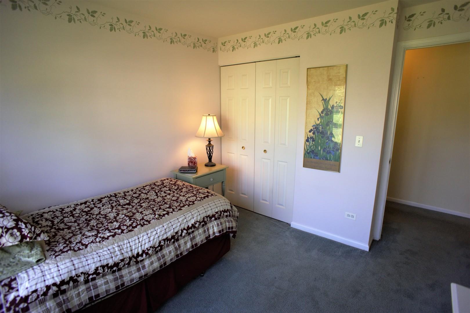 1129 North Red Oak 1, ROUND LAKE BEACH, Illinois, 60073