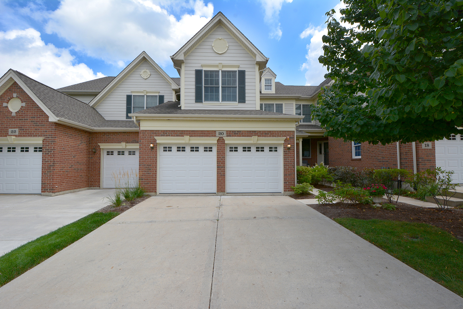 20 Red Tail Drive, Hawthorn Woods, Illinois 60047