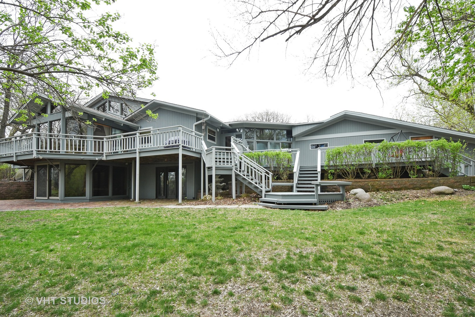 184-A River Road, Lake Barrington, IL 60010