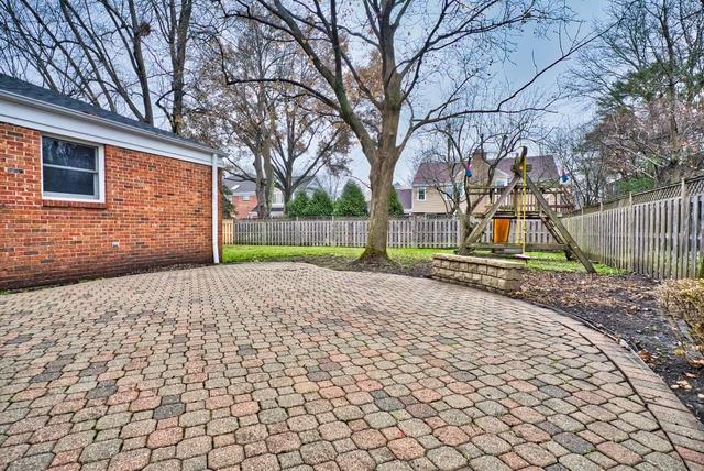 4052 Michelline, Northbrook, Illinois, 60062